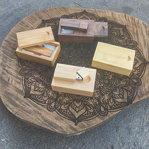 Pack of 10 Wooden USB and Box - 16GB