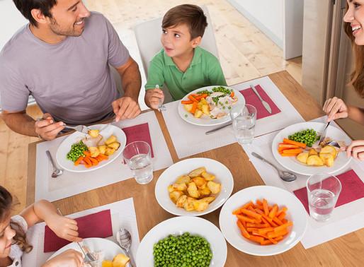 Los beneficios de comer en familia