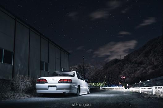 星空と車両