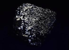 Scheelite, Powellite, and other misc. non-fluorescent minerals from the Pine Creek Mine, Scheelite,