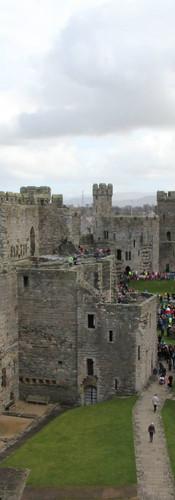 Chateau de Caernafon, England.jpg