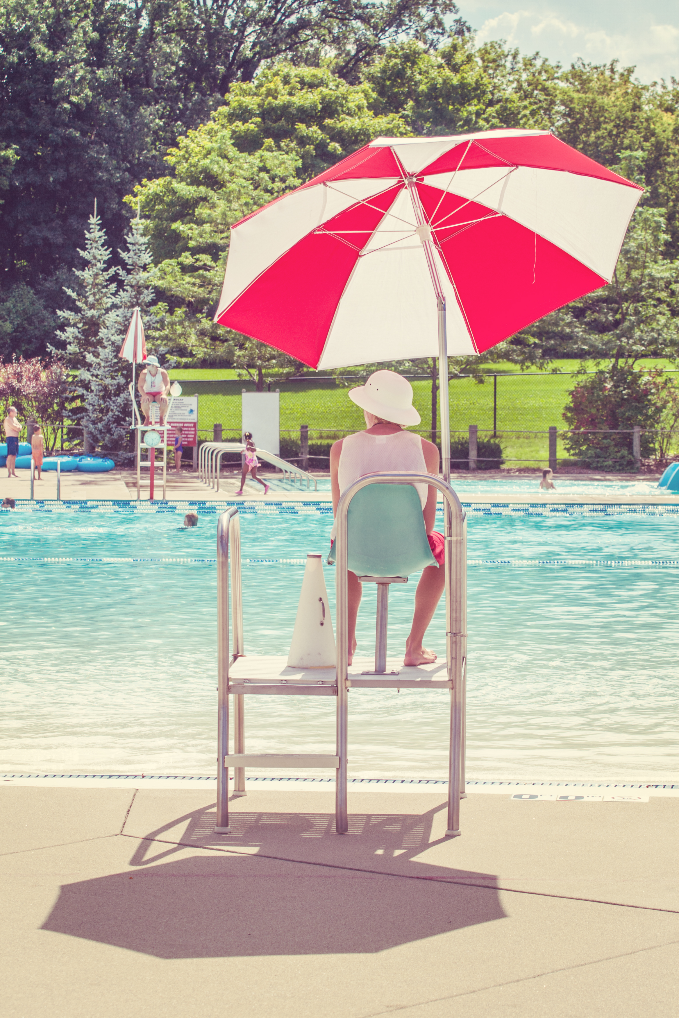 LIfeguard watching a swimming pool