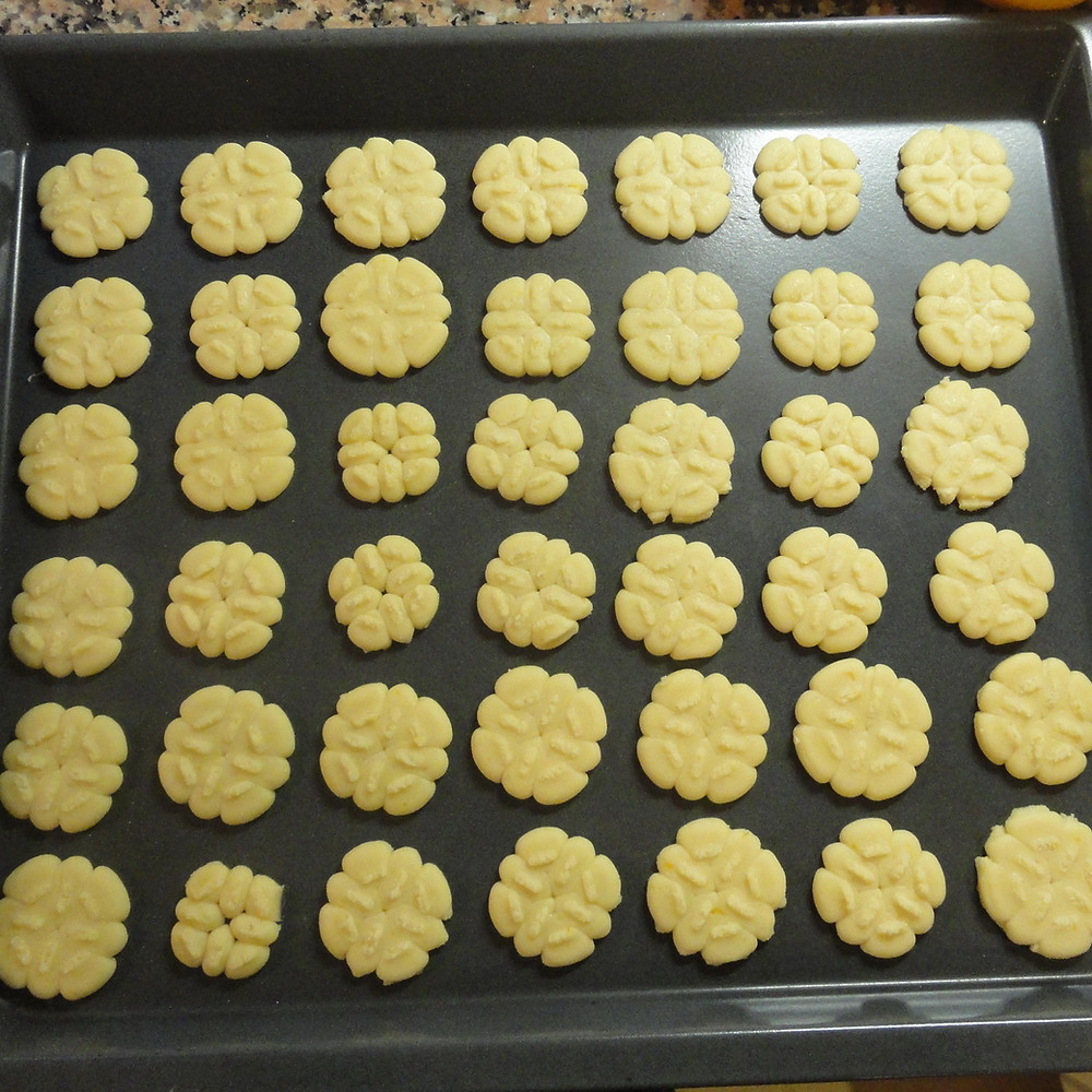Biscuits on oven tray ready to be baked