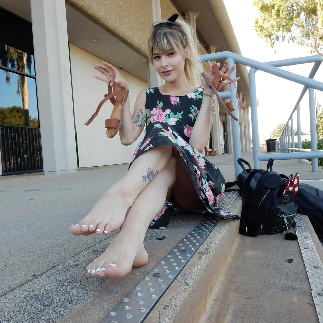 Monice Jeslene Castro Feet