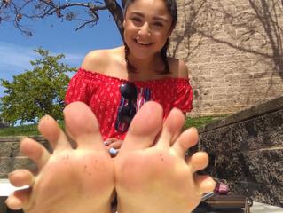 Meet The Feet: Jazmyn's Dancer Feet at the Mall