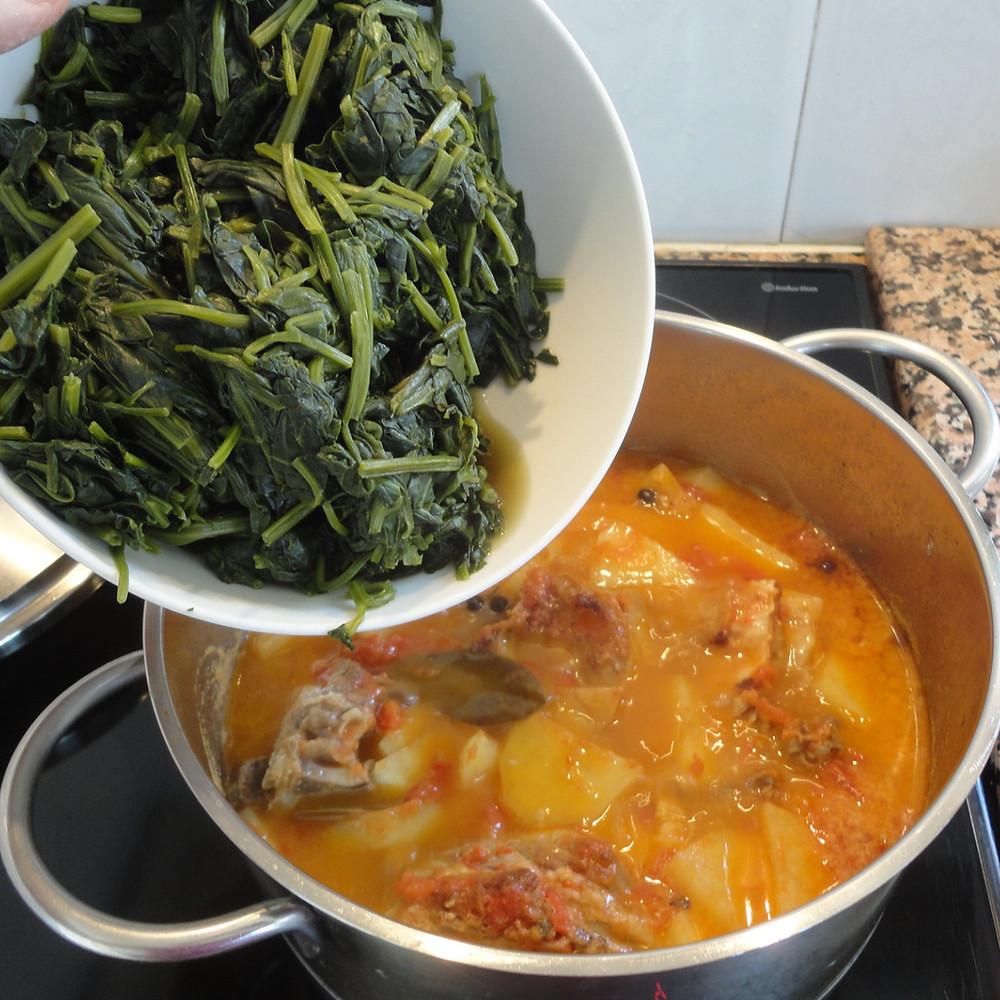 add spinach to casserole