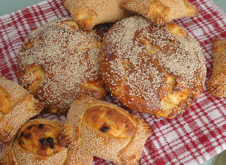 """Easter cheese breads - """"Tiropites"""" and Easter cheese pies - """"Flaounes"""""""