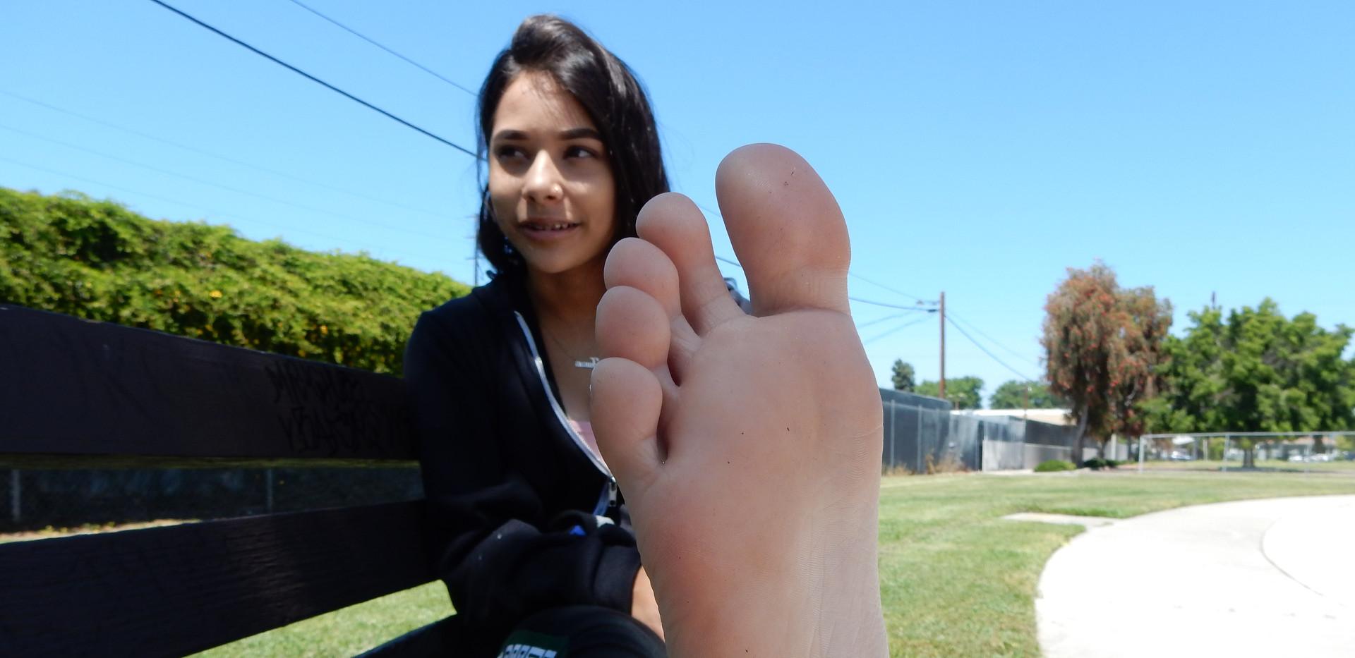 18yo Latina High School Feet