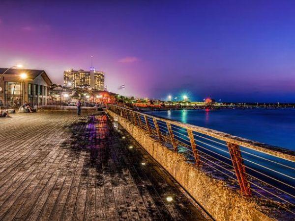 800px-Tel-Aviv_Port_long-exposure_HDR11.