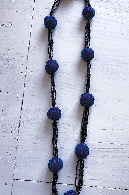 Lila-blau-schwarze Kette