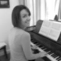 piano 2 grayscale.jpg
