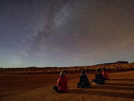 満点の星空の下で・・モニュメントバレー内での宿泊。