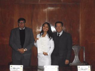 Karla Flores, apoyo de titulación