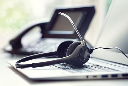VOIP headset headphones telephone and la