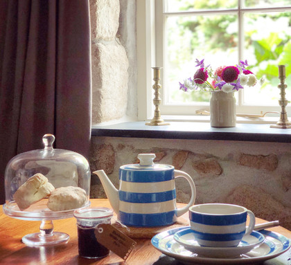 Cornish cream tea on arrival