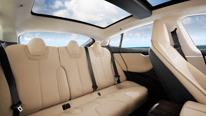2012-tesla-model-s-interior.jpg