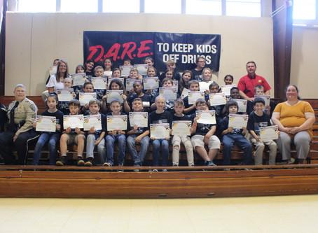 Verda Elementary Students Graduate D.A.R.E. Program
