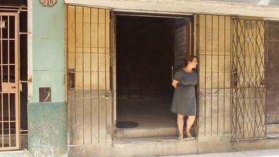 Tania Bruguera bajo arresto domiciliario en Cuba mientras aumentan las protestas contra el gobierno