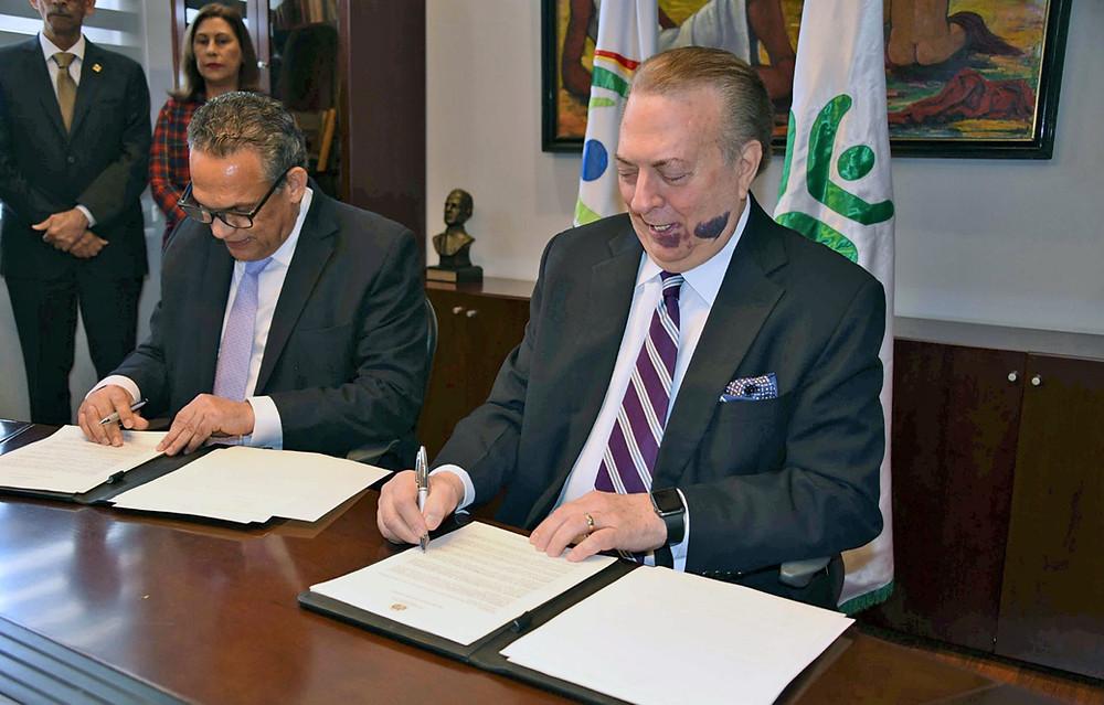 El anuncio fue hecho en un acto que encabezaron el arquitecto Eduardo Selman, ministro de Cultura y el licenciado Ramón Ventura Camejo, ministro de Administración Pública.