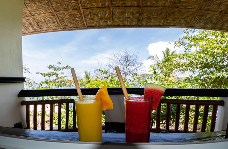 Fresh fruit juices on your balcony!
