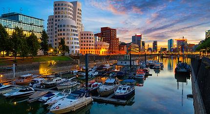 Liegeplatz für Hausboote Marina Düsseldorf
