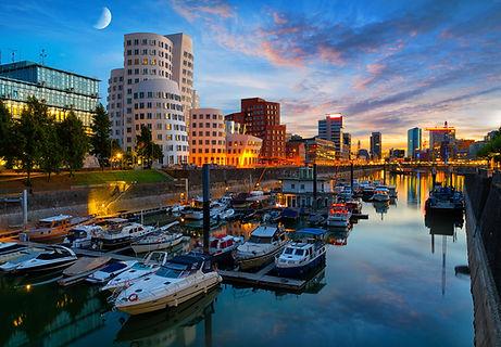 Marina Düsseldorf Hafen.jpg