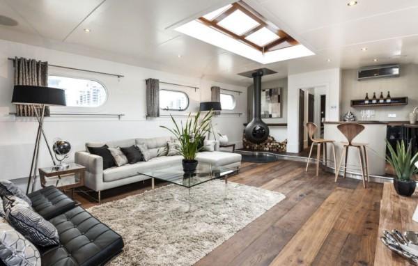 Wohnraum Barge Kopie.jpg