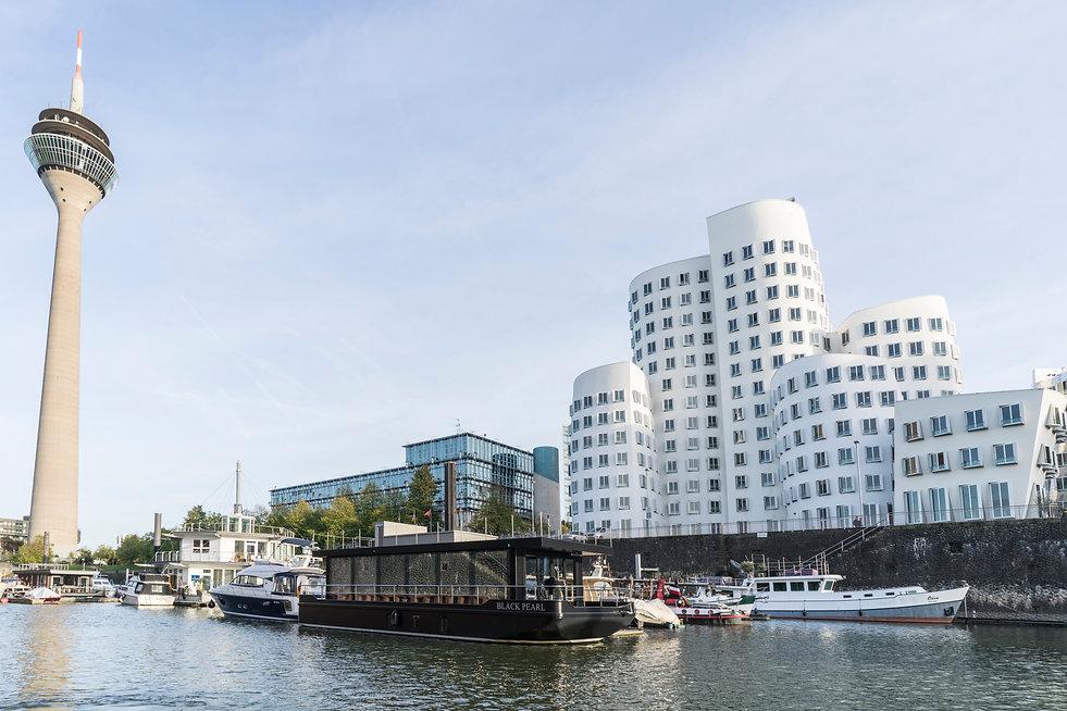 Hausboot Liegeplatz Düsseldorf