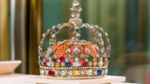 Crown the King or Corona the King?