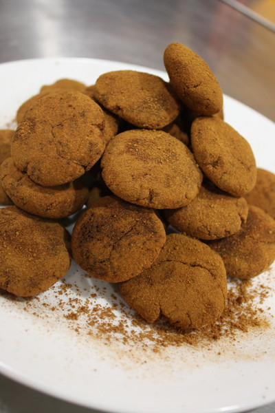 NYE Recipe: Raw Honey Sweetened Vanilla Maca Cookies