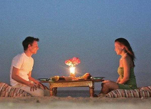 Romantic_dinner.jpg