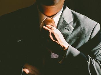 仕事ができる人の、絶対にお金を稼ぐための「12の掟」とは。