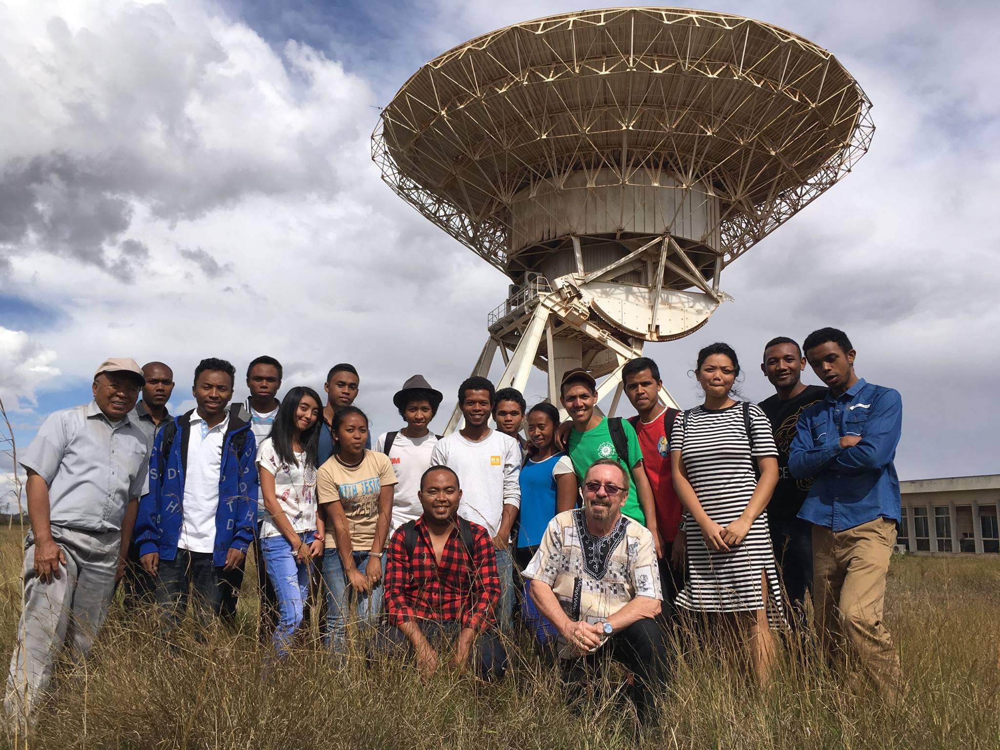 DARA-Madagascar Students at AVN dish site
