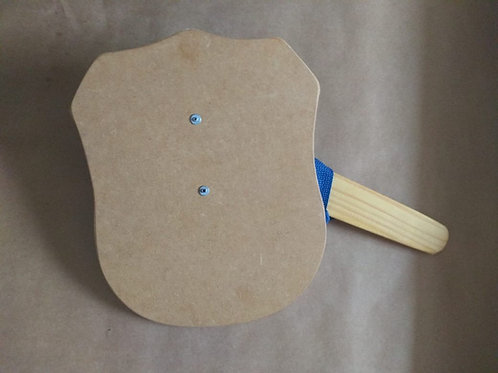 Escudo com espada e capa P - para colorir