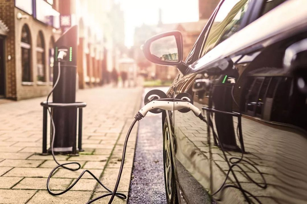 Israeli 5-minute battery charge aims to fire up electric cars