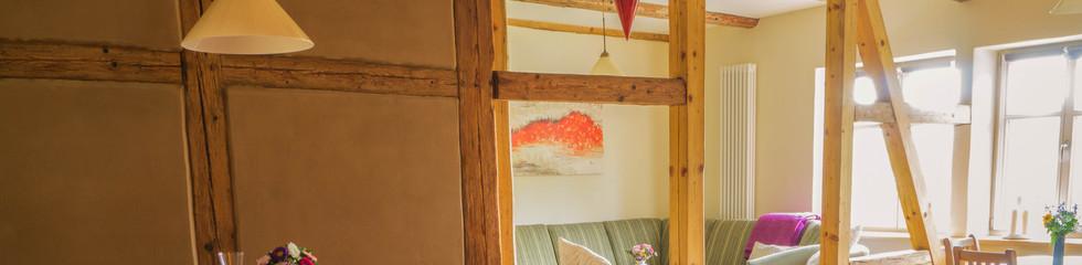 Die Ferienwohnung liegt in sehr ruhiger Lage in Reudnitz. Sie ist großzügig und sehr gut geeignet für Familien mit drei Kindern. In näherer Umgebung kann man als Familie sehr viel unternehmen. Wir waren mit dem Ambiente und der Ausstattung der Ferienwohnung sehr zufrieden und können es mit gutem Gewissen weiterempfehlen.   Familie Wieland, Juli 2019