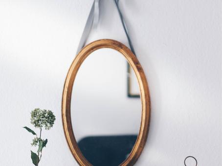 Del Corazón al Espejo