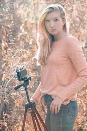 ModelPhotog.JPG