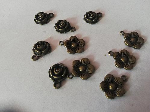 lot de  10 breloques fleurs
