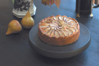 Pear and hazlenut cake