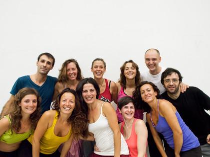 C O M E N Z A M O S Sesiones Grupales con Ana Carrera