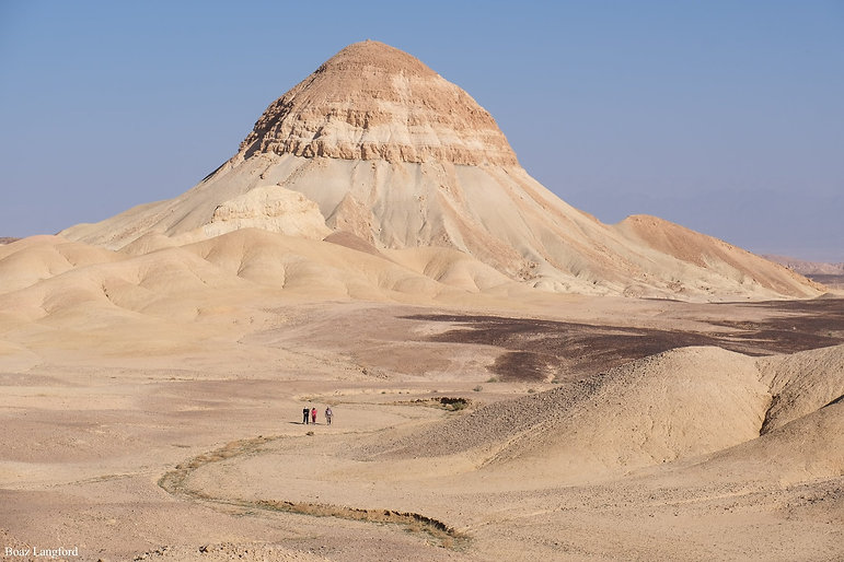 An inselberg above the Meishar streams, Negev desert, Israel. Photo by Boaz Langford