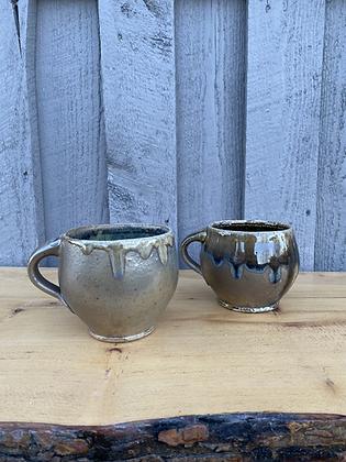 Pair of Mugs 12 (etr)
