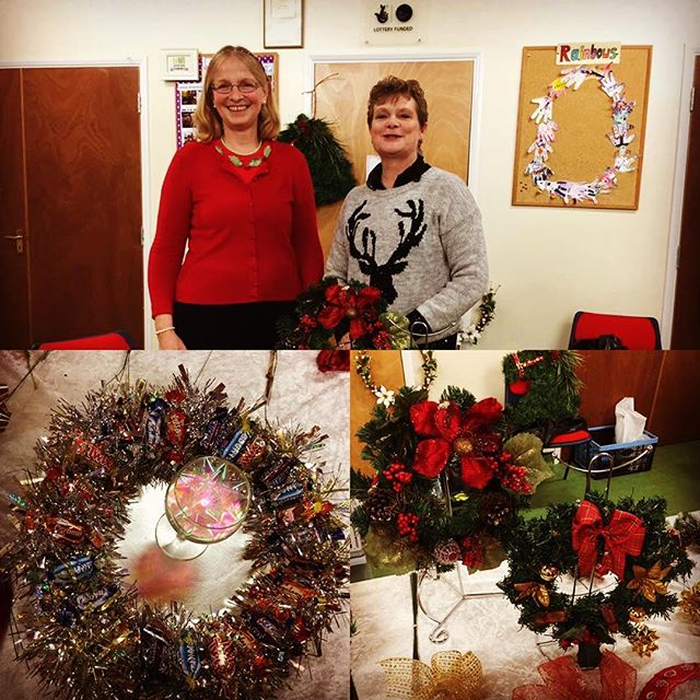 Tricia and Jan show us how to make some amazing Christmas decs