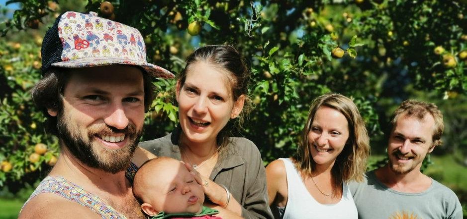 Oliver, Madelon & Nora, Sian & Hugh at Dragon Orchard
