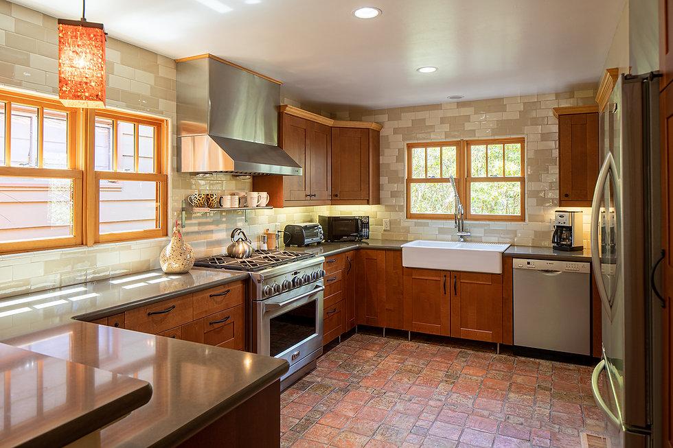 14 MonteVerde1NW3rd kitchen.jpg
