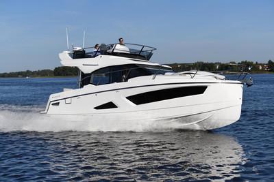 Parker boat Monaco 110 .jpg