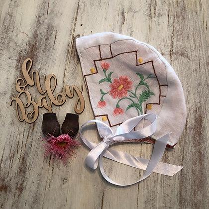 Linen embroidered bonnet