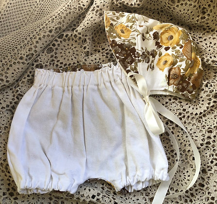 Bonnet and bloomer set Size 3-6m