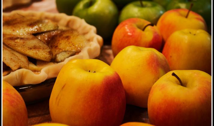 Fresh Apples and Cinnamon
